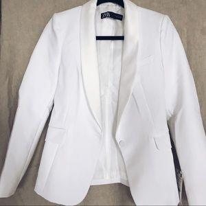 Zara white tuxedo jacket, size small, NWT